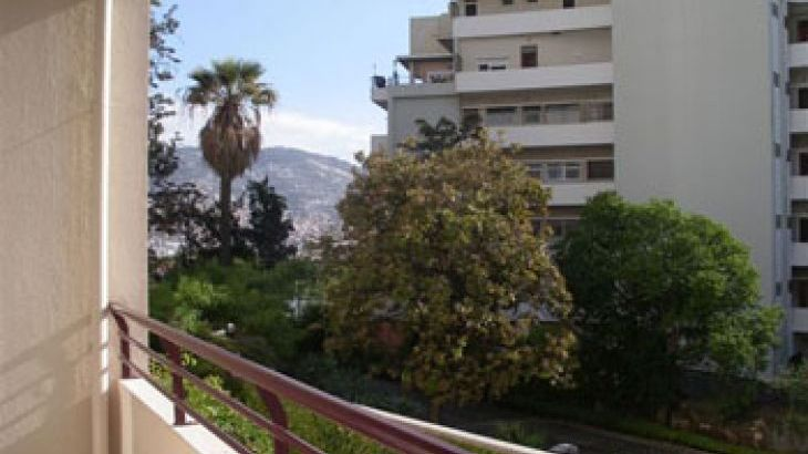 Good quality self catering accommodation near Funchal Madeira