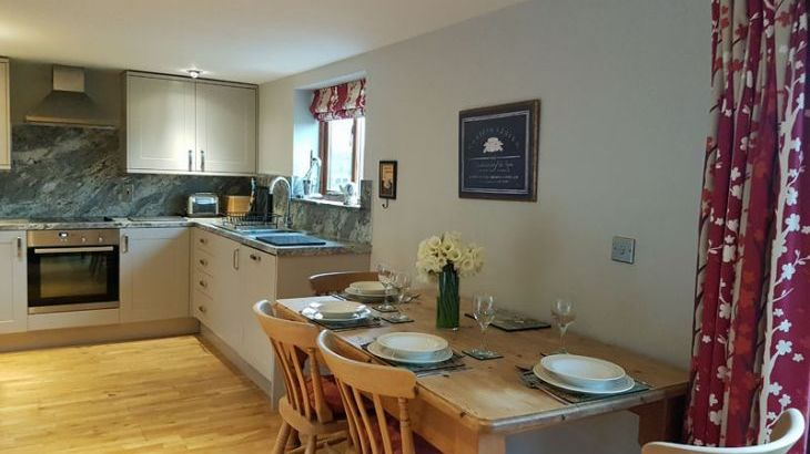Elm Holiday Cottage