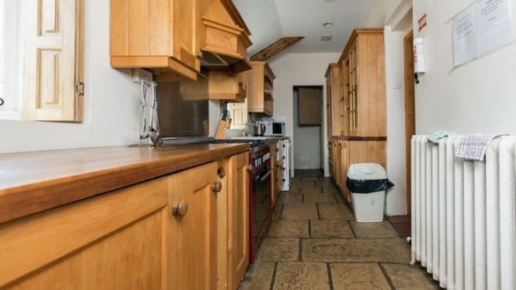 Large spacious house to rent Brecon Beacons