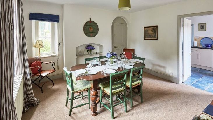 Dining room at Gardeners Cottage