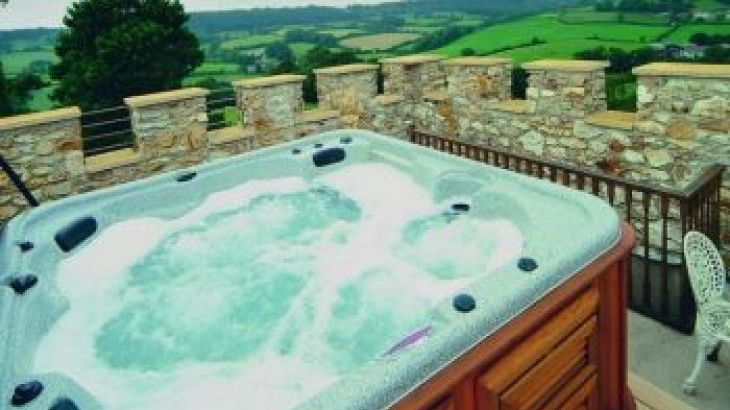 large country house Devon with pool and hot tub