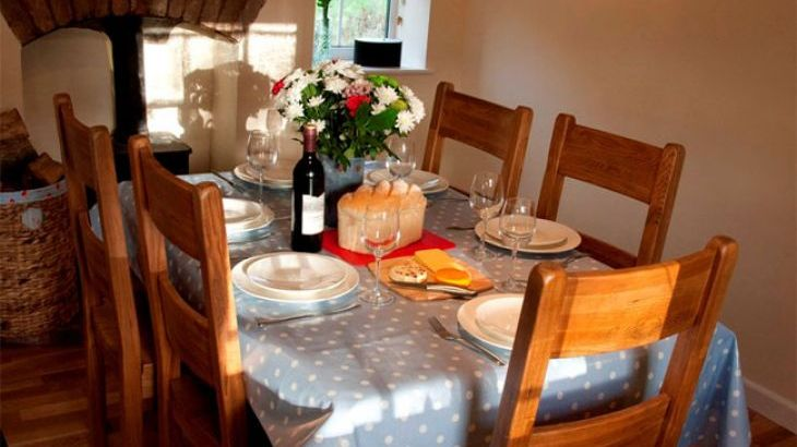4 star cottage with dining room somerset sleeps 6