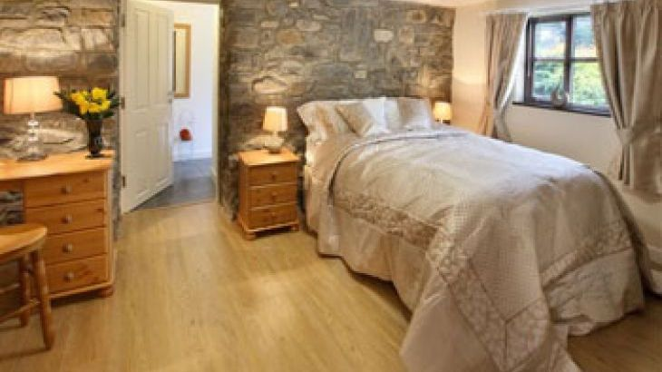 Country cottages in beautiful Mid Wales