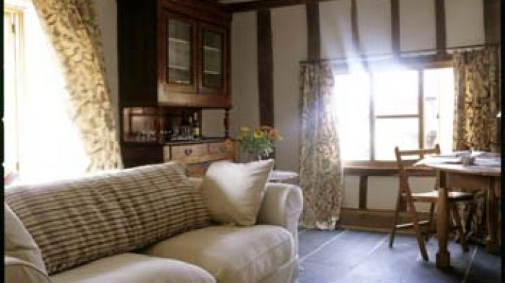 self-catering, 2 reception rooms, Suffolk farmhouse