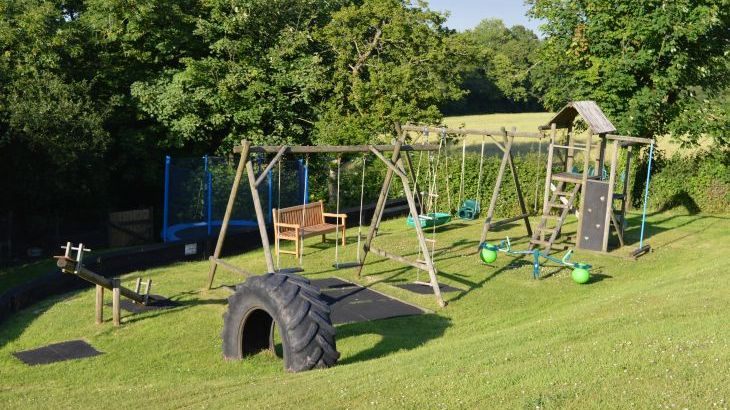 Play area & 12ft trampoline