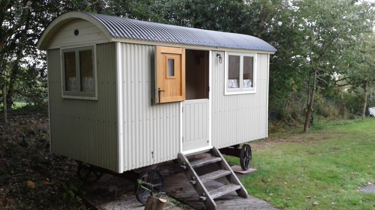 Shepherds Hut in Garden