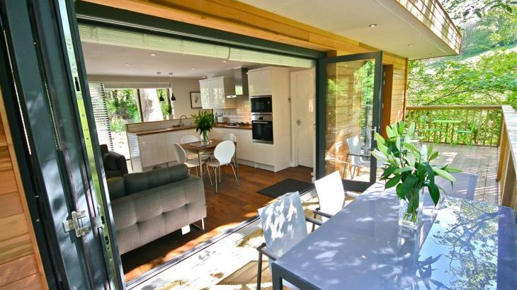 Kitchen & Bifolds