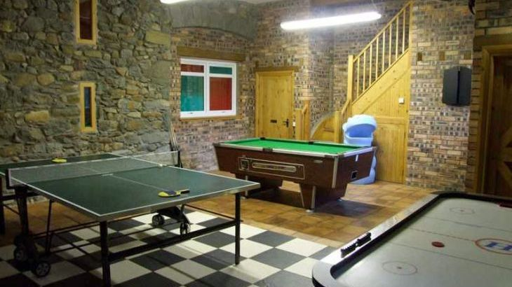 holiday cottages north wales with a games room
