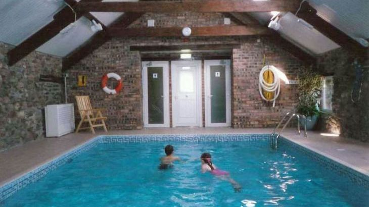 Holiday cottages north Wales with swimming pool