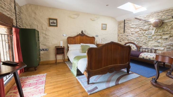 2 ground floor bedrooms 1 upstairs bedroom holiday cottage pembrokshire wales
