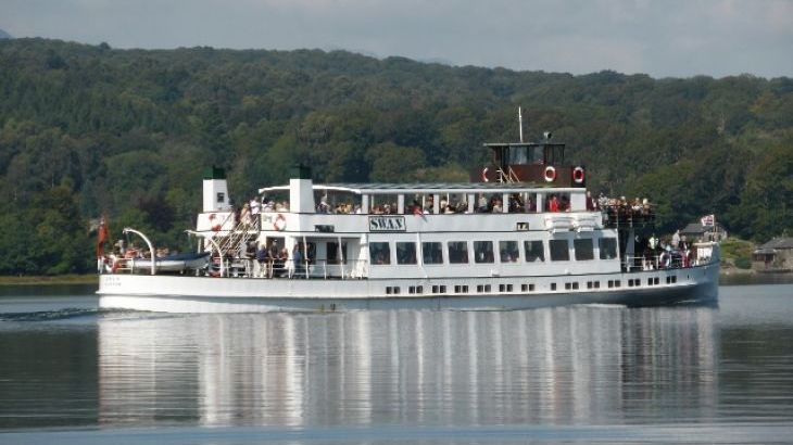 Cruise boats operate all year round on the lake taking in some breathtaking scenery & amazing visitor attractions