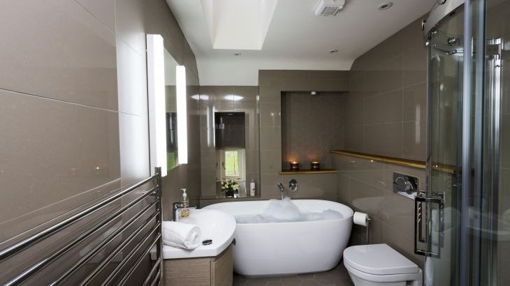 one of 4 bathrooms in this luxurious Herefordshire holiday home