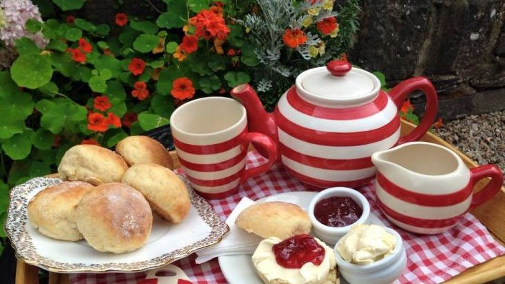 Cream tea at Hele Cornmill included during your stay
