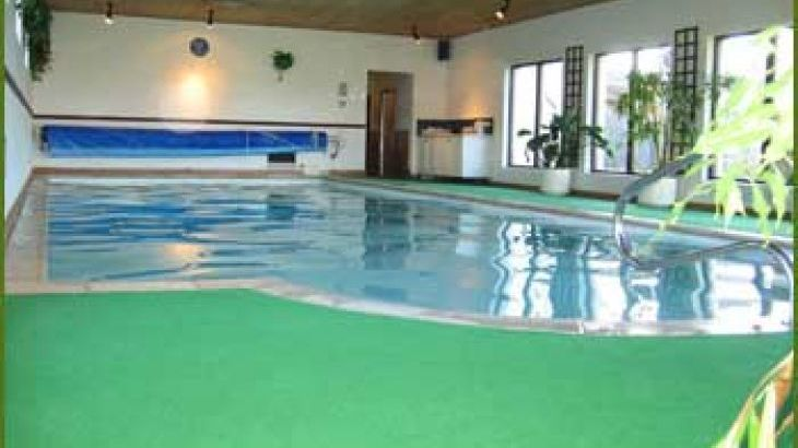 self-catering luxury heated swimming pool