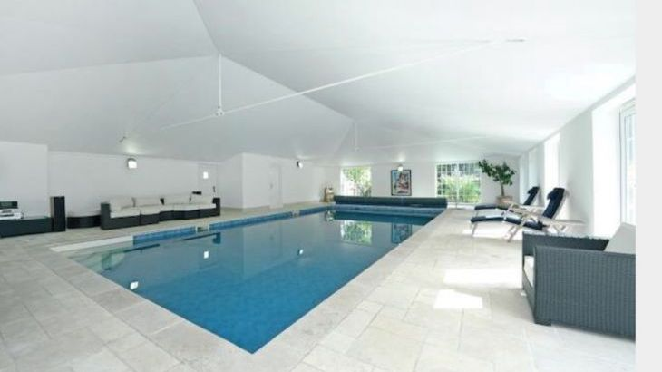 Private heated indoor swimming pool