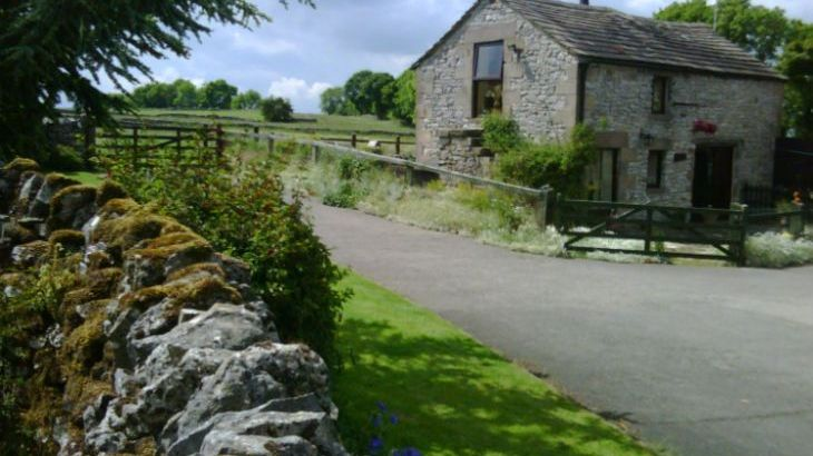 2 Bedroom Peak District Cottage