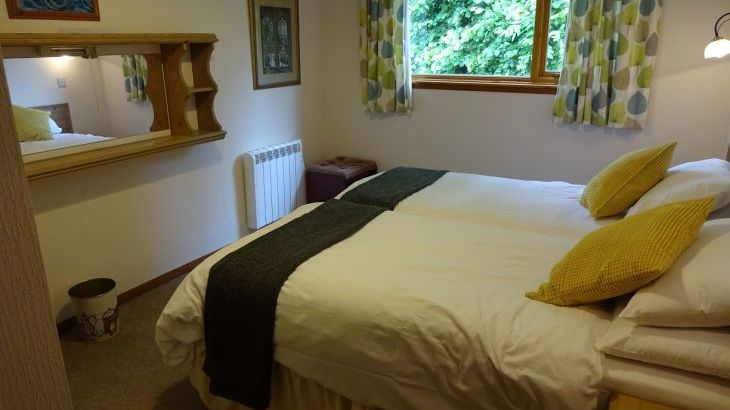 Holiday home moffat king-size bed