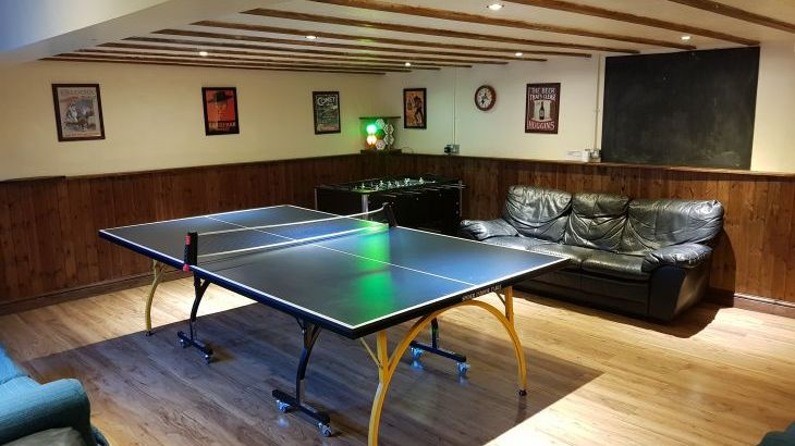 table tennis at Courtyard Barn