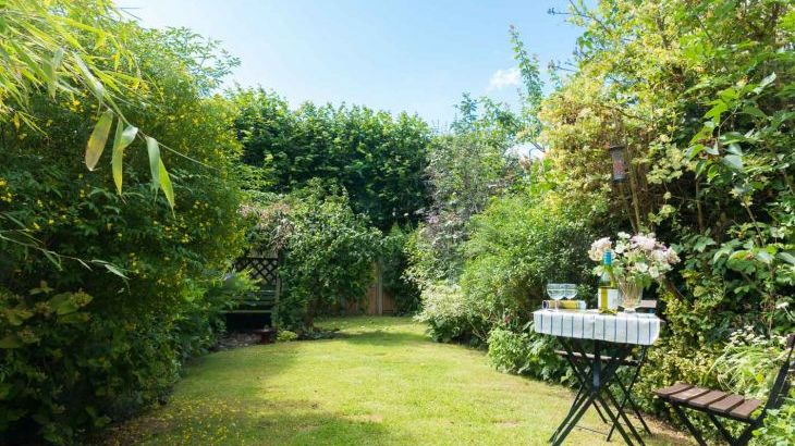 Enclosed garden holiday cottage