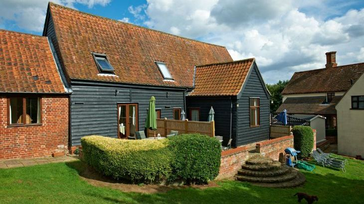 Holiday cottage suffolk sleeps 2 dog friendly