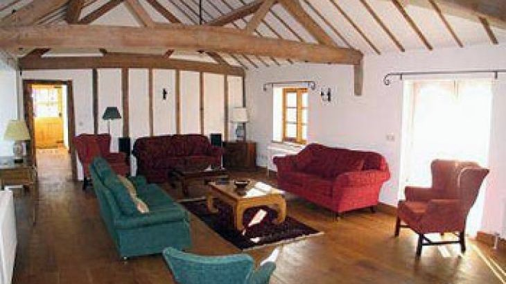 large self-catering accommodation herefordshire