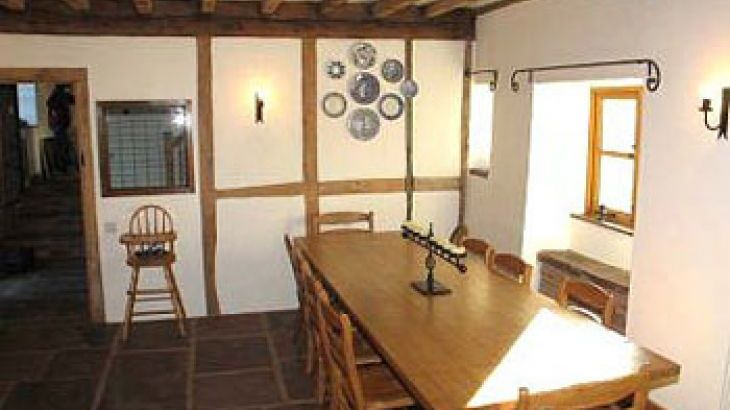 big slef-catering holiday home in herefordshire
